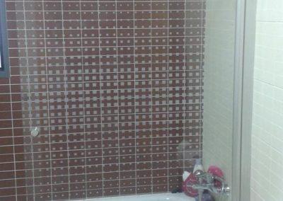 mamparas-y-barras-de-ducha-azulejos-moreno-venta-exposicion-colocacion-reforma-integral-almansa-y-alrededores-6